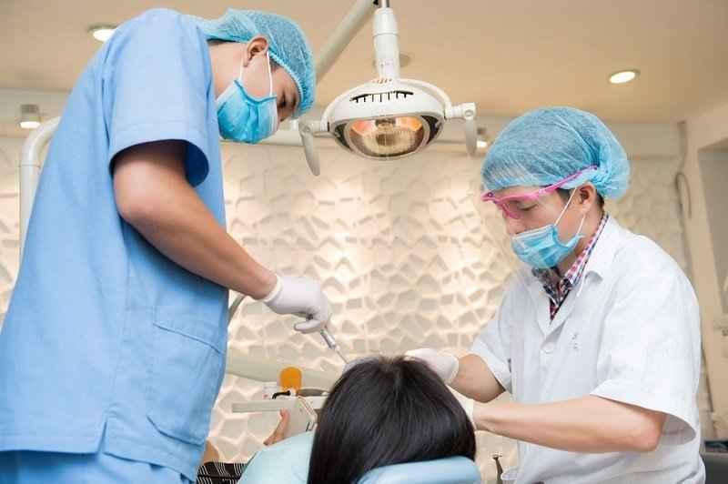 nhổ răng không đau, cách nhổ răng không đau, nhổ răng an toà n, mẹo nhổ răng không đau, phương pháp nhổ răng không đau, nhổ răng đau không, cách nhổ răng, trước khi nhổ răng nên là m gì, nhổ răng, nhổ răng an toà n, nhổ răng an toà n hà nội, cách nhổ răng an toà n, quy trình nhổ răng, địa chỉ nhổ răng uy tín tại hà nội, địa chỉ nhổ răng uy tín, địa chỉ nhổ răng uy tín ở hà nội
