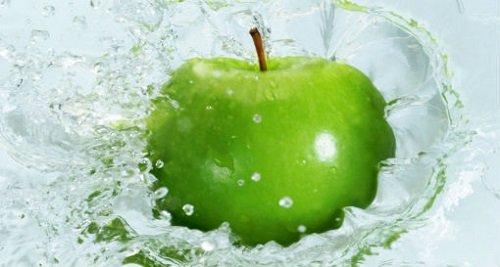 Phương pháp tẩy trắng răng tại nhà bằng táo