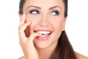 Tẩy trắng răng là gì? Tẩy trắng răng laser có an toàn không?