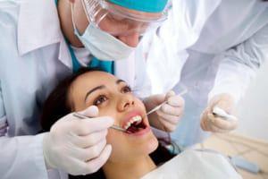 Bọc răng sứ bị viêm lợi 'Cảnh Báo' nguy cơ hỏng tủy mất răng vĩnh viễn