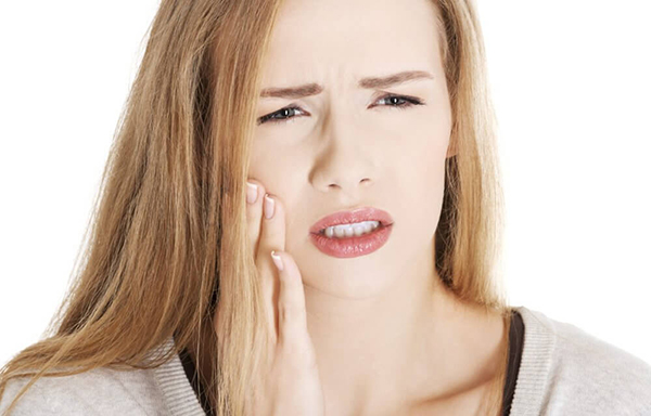 chữa đau răng bằng tỏi,mẹo chữa đau răng bằng tỏi,chữa sâu răng bằng tỏi,trị sâu răng bằng tỏi,mẹo chữa đau răng