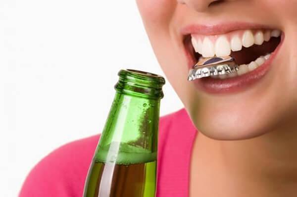 thói quen gây hại cho răng