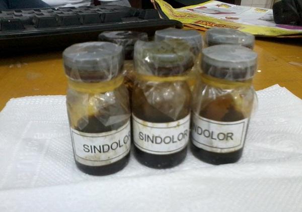 sindolor,sindolor cách dùng,sindolor có nuốt được không,cách nấu sindolor,mua sindolor ở đâu,thuốc sindolor có nuốt được không,điều trị viêm lợi bằng sindolor,sindolor giá bao nhiêu,sindolor có dùng được cho bà bầu không,thuốc chữa viêm lợi sindolor,cách dùng thuốc sindolor,thuốc bôi răng sindolor,thuốc chấm răng sindolor,thành phần thuốc sindolor,thuốc bôi lợi sindolor, thuốc chấm viêm lợi Sindolor