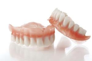 Hàm răng giả tháo lắp giá bao nhiêu tiền? Tham khảo ngay giá răng giả 2019