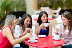 Xem tử vi phụ nữ cười hở lợi | Là sướng hay khổ theo tướng số?