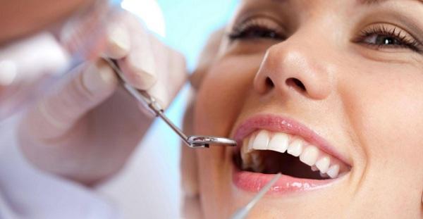 đau răng có nổi hạch không, sưng nướu răng và nổi hạch, sưng nướu răng và nổi hạch là biểu hiện của bệnh gì, Sưng nướu răng và nổi hạch có nguy hiểm không, Cách xử lý khi bị sưng nướu răng và nổi hạch, Sưng nướu răng và nổi hạch ở cơ hàm, nổi hạch ở cổ, nổi hạch ở lợi, sâu răng nổi hạch, nổi hạch ở chân răng, viêm nướu răng nổi hạch, bệnh sưng nướu răng tái phát, viêm lợi trùm nổi hạch, nổi cục dưới chân răng