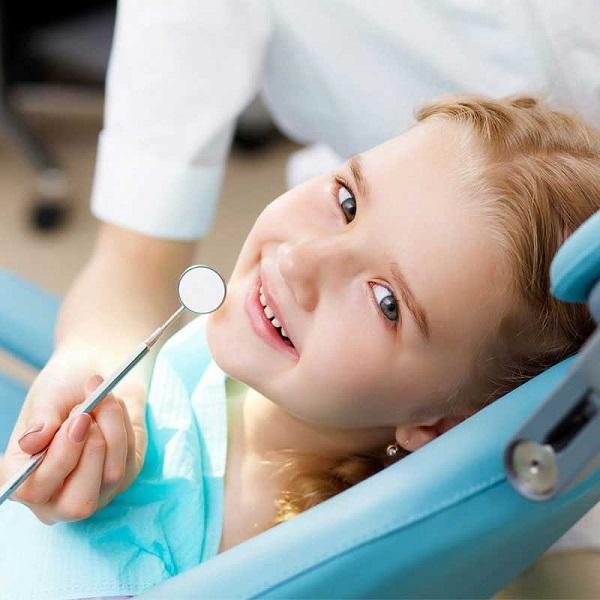 thay răng cửa bao lâu thì mọc,thay răng sữa, thay răng sữa sớm, thay răng sữa khi nào, thay răng sữa ở trẻ, thay răng sữa mọc lệch, thay răng sữa bao nhiêu cái, thay răng sữa muộn, thay răng sữa bao lâu thì mọc, thay răng sữa đầu tiên