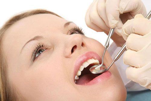 giá nhổ răng khôn, giá nhổ răng cấm, giá nhổ răng, giá nhổ răng hàm, giá nhổ răng khôn hàm dưới, giá nhổ răng sâu, giá nhổ răng khôn bị sâu, giá nhổ răng khôn hàm trên, bảng giá nhổ răng khôn mọc lệch