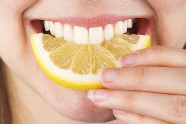 lở nướu răng, bị lở nướu răng, bị lỡ nướu răng, cách trị lở nướu răng, nú răng bị lở
