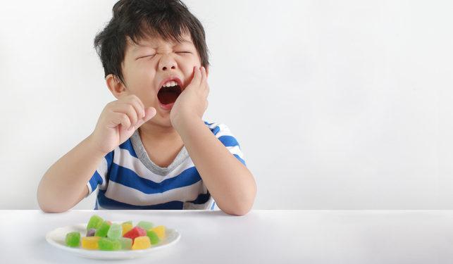 cách nhổ răng sữa cho bé,nhổ răng sữa,nhổ răng sữa cho bé,nhổ răng sữa chưa lung lay,cách nhổ răng sữa cho bé,nhổ răng sữa cho bé ở đâu,nhổ răng sữa còn chân,nhổ răng sữa bị sún,nhổ răng sữa cho trẻ,có nên nhổ răng sữa cho trẻ,nhổ răng sữa bị gãy chân,nhổ răng sữa bị sâu,giá nhổ răng sữa cho trẻ,nhổ răng sữa có mọc lại không