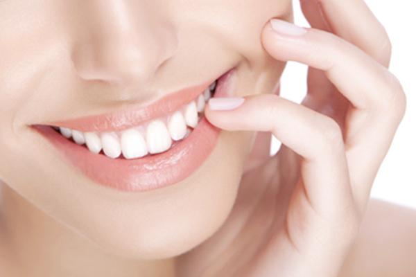 tẩy trắng răng có hại không webtretho, Có nên tẩy trắng răng không webtretho, tẩy trắng răng webtretho, tẩy trắng răng có đau không webtretho