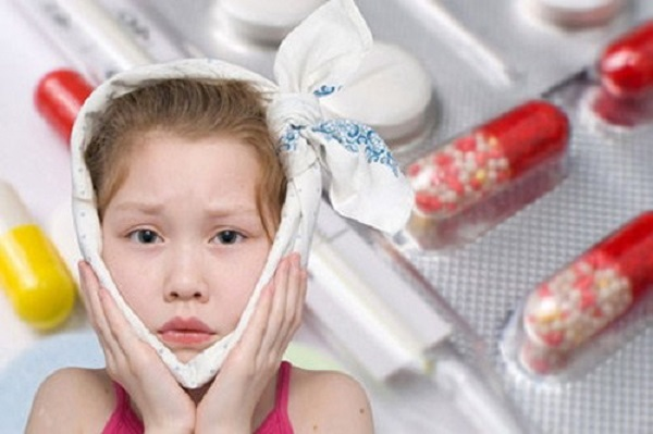 trẻ bị viêm nướu răng uống thuốc gì, bé bị viêm nướu răng uống thuốc gì
