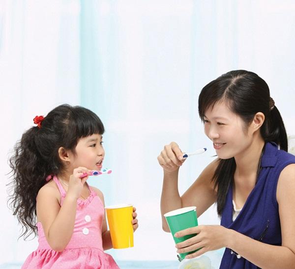 tuổi mọc răng sữa của bé, tuổi mọc răng sữa của trẻ, tuổi mọc răng sữa ở trẻ em, độ tuổi mọc răng sữa, tuổi mọc và thay răng sữa, trẻ 3 tháng tuổi mọc răng sữa, trẻ mấy tháng tuổi mọc răng sữa, bé 1 tháng tuổi mọc răng sữa, trẻ 5 tháng tuổi mọc răng sữa