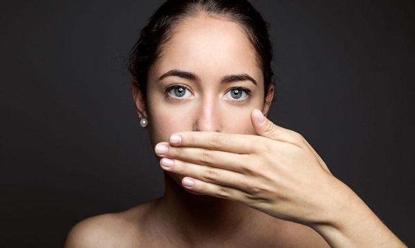 Ngăn ngừa chảy máu chân răng: Dùng nước súc miệng