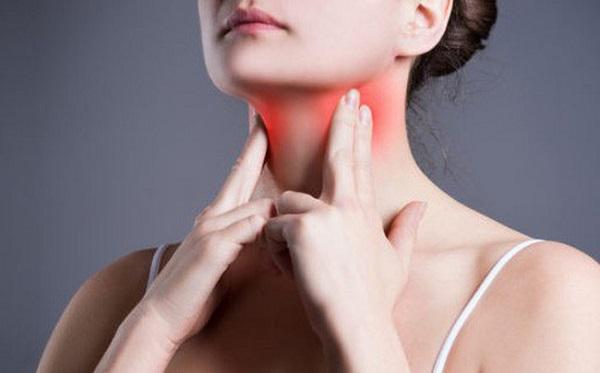 Lưỡi nổi đốm đỏ có nguy hiểm không