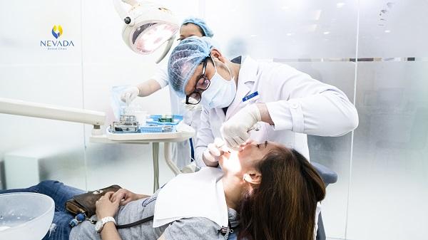 mọc răng khôn đau xương hàm