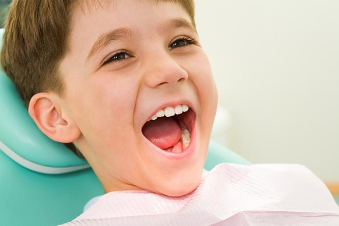 có nên niềng răng cho trẻ em không, có nên niềng răng cho trẻ, có nên niềng răng cho trẻ em, có nên niềng răng sớm cho trẻ