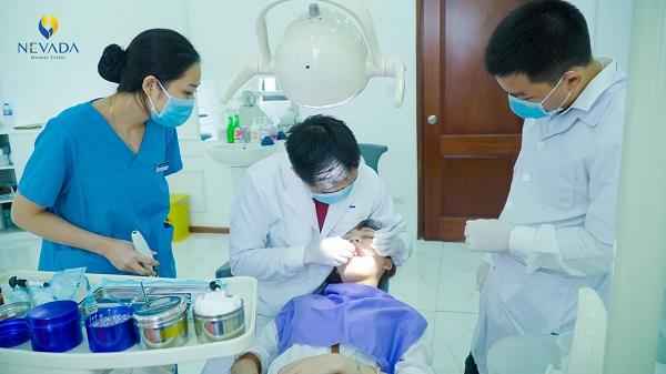 nhổ răng xong bị đau đầu, nhổ răng xong bị nhức đầu, nhổ răng khôn xong bị đau đầu, nhổ răng số 8 xong bị đau đầu, nhổ răng khôn xong bị nhức đầu, nhổ răng khôn xong bị đau nửa đầu, Nhổ răng xong bị đau đầu
